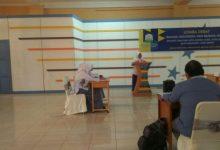 Photo of MENINGKATKAN KEMAMPUAN SMK MELALUI DEBAT BAHASA INGGRIS DAN INDONESIA (NSDC)