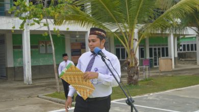 Photo of Ust. Yani Ajak Santri MSBS Jaga Selalu Kebersihan